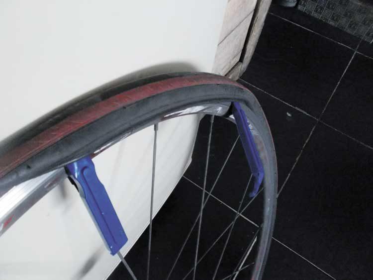 puncture repair, tyre levers