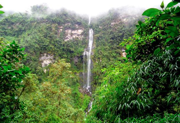Bogota Day Trips, La Chorrera waterfall Cundinamarca