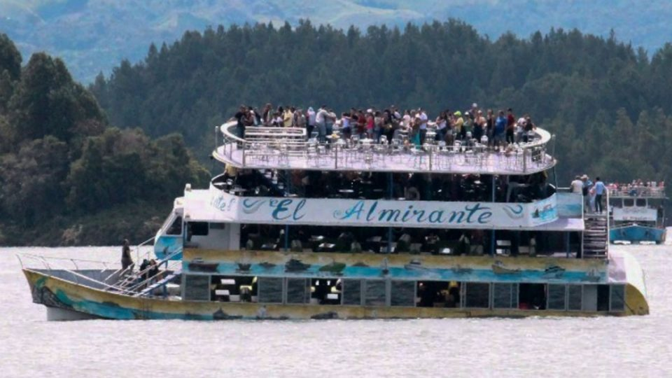 El Almirante, Guatapé boat tragedy