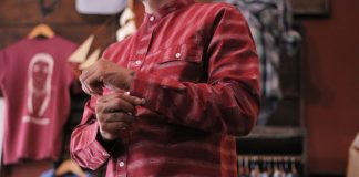 Headless model sports long sleeve shirt from Chickend