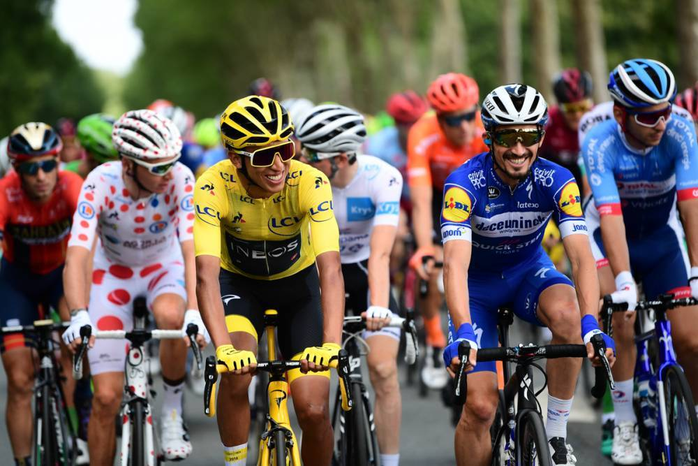 Egan Bernal calmly pedalling to Paris with this years other revelation, Julian Alaphilippe.