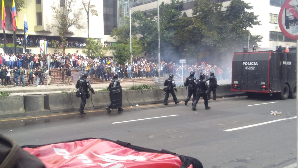 Protests: ESMAD police arrive at Javeriana university.