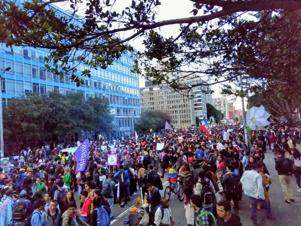 Despite Duque's call for a Conversación Nacional, people aren't satisfied so marches continue on Monday.