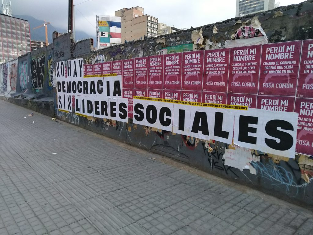 A clear message left by activists in the center of the Colombian capital showing solidarity with social leaders.