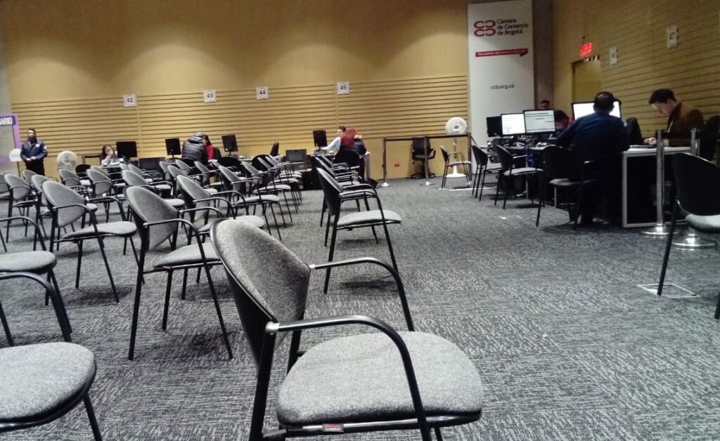 The Cámara de Comercio in Bogotá was almost empty on Monday and adopted a social distancing measure by setting all chairs 1 metre apart.